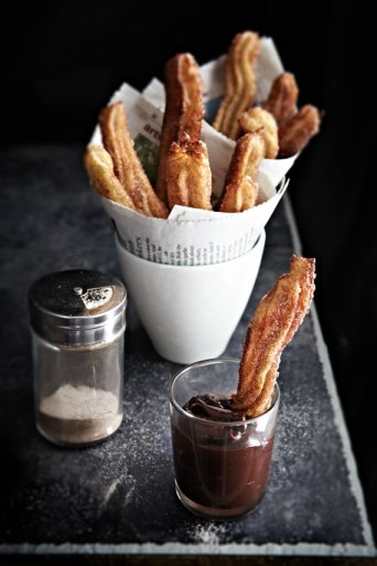 http://www.mowielicious.com/home/2012/04/chocolate-churros-for-my-three-year-bloggerversary.html